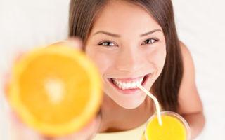 Frumusețe: 7 trucuri ca să-ți menții strălucirea dinților după ce i-ai albit