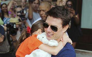 Fiica lui Tom Cruise, vacanţă de cinci zile la Londra cu tatăl ei