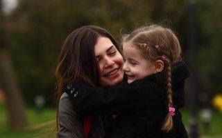Monica Gabor a renunţat la fiica ei