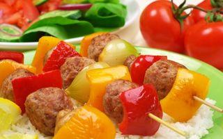 Ce ne recomandă un expert în nutriţie să mâncăm la prânz