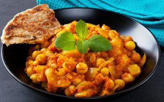 Reţeta zilei: Tocăniţă de năut cu curry, coriandru şi ghimbir