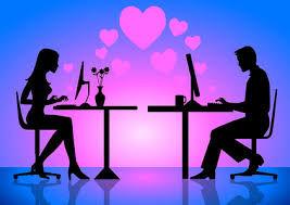 """Poveste adevărată: """"Mi-e scârbă de fostul meu iubit virtual. Ce-a fost în capul meu?!"""""""