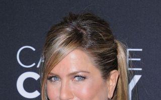 Jennifer Aniston, apariţie stânjenitoare