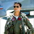 Hollywood: Top 10 cei mai sexy actori îmbrăcaţi în uniformă. Admiră-i!