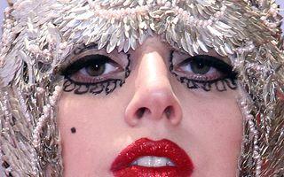 Lady Gaga, naşa de botez a copilului lui Elton John
