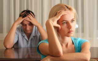 """Poveste adevărată: """"Soţia mea îmi reproşează că-i cumpăr dragostea cu bani"""""""