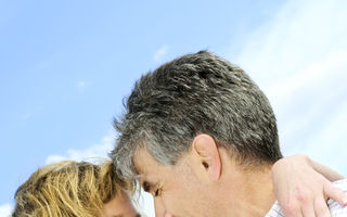 6 avantaje ale unei partide de sex cu un bărbat mai bătrân. Încearcă-le!