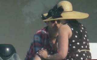 Sărutul dulce al despărțirii: Andreea Marin şi Ştefan Bănică, în ipostaze tandre
