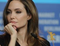 Mastectomia Angelinei Jolie, secret şi pentru familie