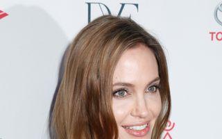 Sănătatea ta: Cum a decurs operaţia prin care a trecut Angelina Jolie