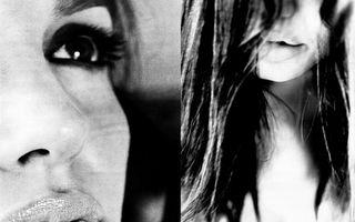 Hollywood: Cum o vede Brad Pitt pe Angelina Jolie. 15 imagini uimitoare
