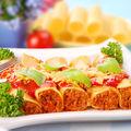 Cannelloni cu pui şi sos de roşii