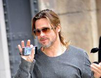 Brad Pitt refuză scenele sexy cu alte actriţe
