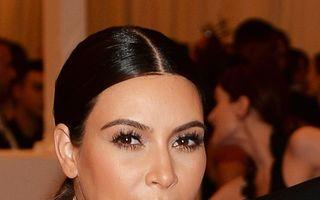 Kim Kardashian va avea o fetiță