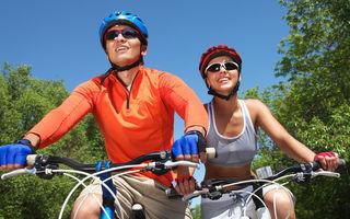4 reguli ca să nu-ţi fie teamă să mergi cu bicicleta printr-un oraş aglomerat