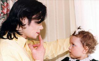 Paris Jackson, un copil celebru cu o viaţă chinuită. Imagini inedite!