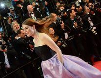 Julianne Moore la 52 de ani: Actrița le face concurență fotomodelelor tinere