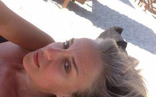 Tania Budi se relaxează pe plaja din Mamaia. Cum arată fără machiaj