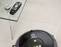 Noul aspirator-robot NaviBot CornerClean de la Samsung