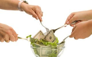 Cât costă o dietă? De ce este mai scump să slăbeşti decât să te îngraşi