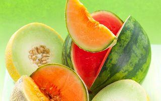 Sănătatea ta: 7 fructe şi legume pe care să nu le ratezi în august. Cu ce te ajută?