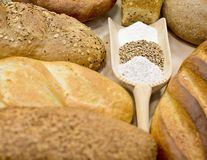 Alimentele periculoase: De ce trebuie să evitați pâinea albă, mezelurile şi băuturile energizante