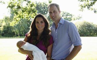 Kate și William, poză oficială cu bebeluşul