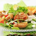 Salată de rucola cu pui şi rodie