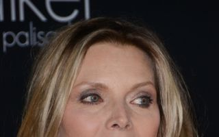 """Michelle Pfeiffer: """"Am trăit doar cu Marlboro Lights şi Coca-Cola"""""""