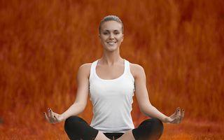 Studiu: Yoga şi stilul de viaţă sănătos încetinesc procesul de îmbătrânire