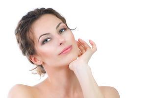 Frumuseţea ta: 5 reguli pe care să le urmezi ca să nu faci riduri prea devreme