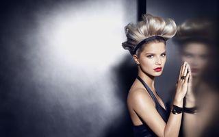 Descoperiți ultimele tendințe în colorarea și styling-ul părului cu It Looks Toamnă-Iarnă 2013-2014 de la L'Oréal Professionnel