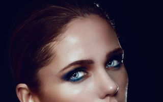 Frumuseţe: 5 trucuri de machiaj care îţi pun ochii în valoare. Încearcă-le!