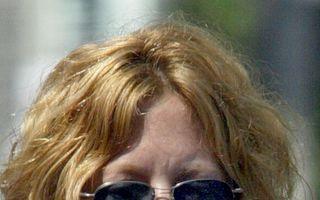Hollywood: Top 8 buze de vedete distruse de operaţii. Cine a dat greş?