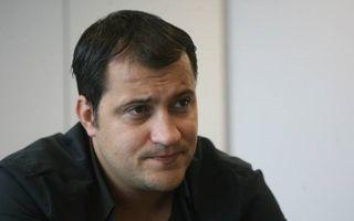 """Șerban Huidu, atacat din nou pe blog: """"Îi mai visezi pe cei ucişi de tine?"""""""