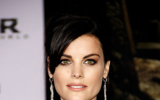 Hollywood: 5 vedete în rochii obraznice pe covorul roşu. Cine sunt neruşinatele?