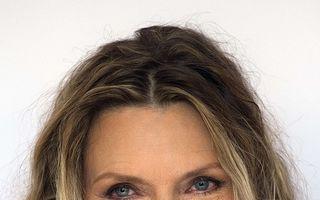 Michelle Pfeiffer: Operaţiile estetice minore sunt bune