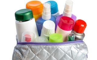 Frumuseţe: 7 tipuri de cosmetice pe care nu merită să arunci banii