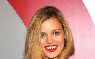 Hollywood: Top 7 cele mai sexy vedete cu strungăreaţă. Zâmbiţi, vă rog!