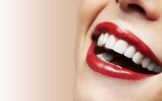 Frumuseţea ta: 5 trucuri naturale ca să ai dinţii albi