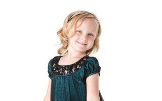 """""""Black Frydays"""": 10 rochiţe pentru fetiţe. Super reduceri de azi până pe 1 decembrie!"""