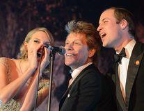 Prinţul William a cântat cu Taylor Swift şi Jon Bon Jovi