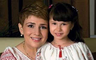 România mondenă: 5 vedete care au adoptat copii