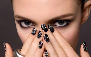 Frumuseţea ta: 20 de modele simpatice de Sărbători pe care să le aplici pe unghii