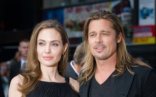 Angelina Jolie şi Brad Pitt, patru ceremonii de nuntă