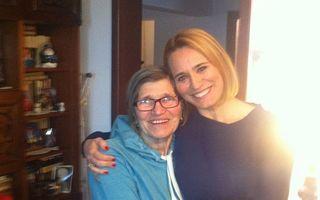 Andreea Esca, poză emoţionantă cu învăţătoarea sa