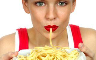 Cele mai proaste decizii alimentare care-ţi afectează tenul