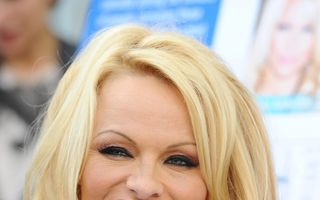 Pamela Anderson s-a căsătorit