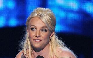 Britney Spears a primit inelul de logodnă