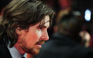 Mama lui Christian Bale vrea să se împace cu fiul ei